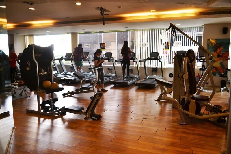 gold gym powai mumbai   membership fees reviews offers