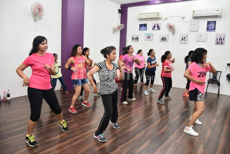 dance bar in nerul navi mumbai You can find the list of top commerce colleges in navi mumbai 2018 with  commerce in sies or best college than this in navi mumbai area above nerul.